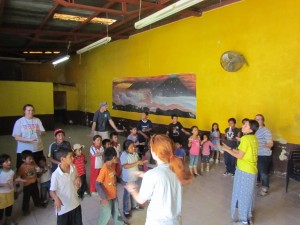 Team-Kids-Singing-VBS_Guatemala